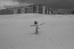 _MG_1005 (alouata) Tags: plage beach sable sand braydune niewpoort france belgique belgium dune noiretblanc mer merdunord vent vague nuage wave cloud