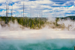 Grand Prismatic Springs-2.jpg (VoxLive) Tags: grandprismaticspring mountains geiser yellowstone travel grandtetons nationalparks