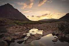 Glen Etive and the golden sunset (PoetheusFotos) Tags: scotland highlands highland sea lake river sun sunset sunrise golden sky snow snowcapped fields grass meadow mystic peace nature clouds reflection