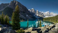Moraine Lake (lisa nixon) Tags: albertalandscapes canadianrockies albertalakes morainelakepanorama travelalberta explorealberta lakemoraine