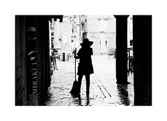 I wanna stand out (CJS*64) Tags: trogir craigsunter croatia cjs64 travel traveling d7000 nikon nikkorlens nikond7000 24mm85mmlens 2485mmlens blackwhite bw blackandwhite whiteblack whiteandblack mono monochrome shadows shadow silhouette women standing hat black white