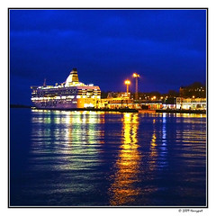 helsinki harbor (harrypwt) Tags: harrypwt helsinki finland winter 40d 18200 borders framed paintinglike night light reflections sea waters