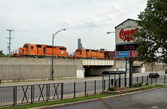 Ej&E 667 in Chicago, Illinois on June 15, 2018. (soo6000) Tags: eje 667 eje667 sd382 emd standardcab freeportsub cn l53591 local freight manifest fallenflag chicago illinois searstower loop