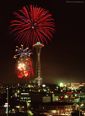Space Needle - Ivar's Fireworks - Seattle (Electric Crayon) Tags: pacificnorthwest washingtonstate kingcounty seattle fireworks spaceneedle ivars usa unitedstates america kodak 35mm slidefilm scan primefilmxa minolta electriccrayon patrickmcmanus