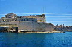 2016-06-08g rejs - Vittoriosa (24) (aknad0) Tags: malta vittoriosa morze architektura krajobraz statki