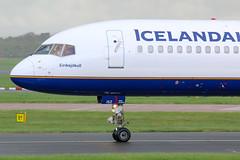Icelandair Boeing 757-200 TF-ISZ (SimonFewkes) Tags: man egcc manchesterairport manchester avgeek aircraft aviation aircraftphotography aeroplanes aviationphotography airport aircraftphotos aircraftspotter aeroplane spotting spottinglog planes plane planespotting tfisz