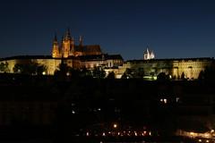 Prager Burg (jueheu) Tags: prag prague pragbeinacht praguebynight stvetiskathedrale burg castle castello kastel cathedrale stveitskathedrale stveits bynight nachtaufnahme stgeorgsbasilika hradschin lights lichter blauestunde
