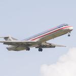 American Airines Boeing 727 Lands at IAH 1806101708 thumbnail
