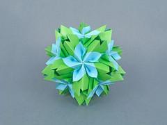 Dryas (masha_losk) Tags: kusudama кусудама origamiwork origamiart foliage origami paper paperfolding modularorigami unitorigami модульноеоригами оригами бумага folded symmetry design handmade art