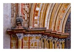 un détail de la porte (Marie Hacene) Tags: séville artcontemporain architecture sevilla andalousie espagne