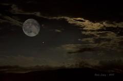 noches de luna _DSC6009 (Rodo López) Tags: luna lunallena sacredmoon moon elbierzo explore excapture nikon naturaleza nature nostalgia naturebynikon noche nigthphotografy