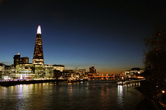 Sun set on the Shard (gooey_lewy) Tags: london night scape shard building blue orange hour city england capital tall hall