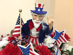 Uncle Sam says peace (Robert Couse-Baker) Tags: independenceday 4thofjuly july4th patriotism celebration merica unclesam peacesymbol