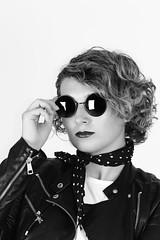 all eyes on me (HSOBERON) Tags: hernansoberon fashion moda estilo gafas f14 canon norebos endorinc hsoberon mood style blackandwhite glasses girl woman laura