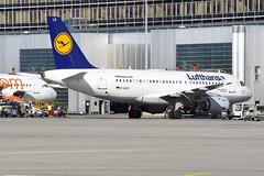 Lufthansa A319-114 D-AILR (Gideon van Dijk) Tags: gva lsgg geneva genevaairport geneve geneveaeroport switzerland swiss vliegtuig vliegveld luchthaven luchtvaart plane planespotting planes nikon nikond7200 d7200 ebace ebace17 ebace2017 lufthansa a319114 dailr tegernsee deutschelufthansa airbus airbusa319 airbusa319100 cn723 dlh lh
