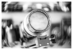 Meyer Trioplan 210/3.5 (1949; Mentor (Studio) Reflex, 9x12), adapted to M42 (leo.roos) Tags: cameras lenses gear meyertrioplan21035 1949 mentorreflex noiretblanc adaptedtom42 swirly meyerkinonsuperiorf5cm meyerkinonsuperior5016 projectorlens projectionlens focusinghelicoidtrioplan10028 exakta darosa leoroos dayprime day210 dayprime2018 dyxum challenge prime primes lens lenzen brandpuntsafstand focallength fl