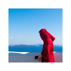 Santorini -Muslim in red- (Luca Cesari) Tags: olympus olympusom1markii zuiko 1240f28pro 12mm 24mm red muslim sea mare grecia santorini colori colours