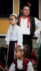 Tradition (A.K. 90) Tags: bansko tradition traditionell bulgarien bulgaria street strase fest tanz child kinder people portrait beauty beautiful young jung mädchen sonyalpha6000 e18135mmf3556oss