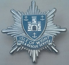 Isle of Wight Fire and Rescue Service Cap Badge 1985-On (unissued) (Lesopc) Tags: isleofwight fire brigade service rescue cap badge uk 1985 1986 1987 1988 1989 1990 1991 1992 1993 1994 1995 1996 1997 1998 1999 2000 2001 2002 2003 2004 2005 2006 2007 2008 2009 2010 2011 2012 2013 2014 2015 2016 2017 2018