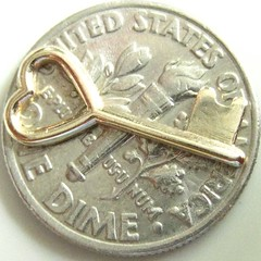 it does fit on a dime!! (muffett68 ☺ heidi ☺) Tags: key heart dime comparison size macromondays trinket squaredcircle tiny