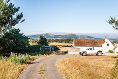 Worcestershire views. (Macro light) Tags: oldhills worcestershire callowend retreat farmingmalvern hillsruralwalkingcountry cottagesummer hot heat dry