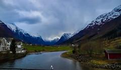 Buscaré entre las montañas (Jesus_l) Tags: europa noruega fiordos jesúsl
