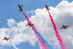 Red Arrows Roll backs (Lee532) Tags: redarrows rafat aerobaticteam reds jet plane militaryaviation display hawk fighter fast royalairforce