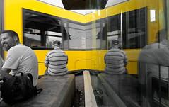 Kurvt 'ne Tram um die Ecke (Pascal Volk) Tags: berlin mitte alexanderplatz berlinmitte tram tranvía strasenbahn bvg flexityberlin selectivecolor spiegelung reflexion reflection reflexión reflejo réflexion wideangle weitwinkel granangular superwideangle superweitwinkel ultrawideangle ultraweitwinkel ww wa sww swa uww uwa sommer summer verano canonpowershotg1xmarkiii dxophotolab 15mm
