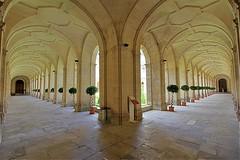 Abbaye aux Hommes - Caen (hervétherry) Tags: france normandie bassenormandie calvados caen canon eos 7d efs 1022 abbaye hommes mairie hotel ville cloitre perspective