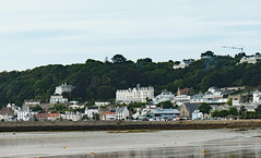 St. Aubin, Jersey - the tide is out (Monceau) Tags: staubin jersey tide out beach 223365 365picturesin2018 365the2018edition 3652018 day223365 11aug18 water bay buildings