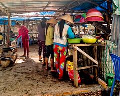 Hon Xuong, Phu Quoc, Vietnam (Kevin R Thornton) Tags: phuquoc galaxys8 asia travel people honxuong samsung vietnam fingernailisland mobile kitchen thànhphốphúquốc tỉnhkiêngiang vn