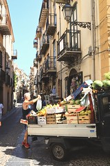 Street life (sixlsi) Tags: fruits vegetables street car food