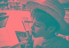 Summertime (ChusPS) Tags: blancinegre blackandwhite bandw portrait children kid hat summer icecream sun sunny heat son light photo photography photographer nikon nikkor d7100 mediterranean mediterrani mediterraneo boy