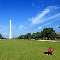 National Mall, Washington DC (pom'.) Tags: panasonicdmctz101 july 2018 washingtondc washington washingtondistrictofcolumbia districtofcolumbia usa unitedstatesofamerica federaldistrict washingtonmonument 1848 1888 nationalmall woman picture sky clouds monumentalcore 100 200 northamerica america americanwayoflife