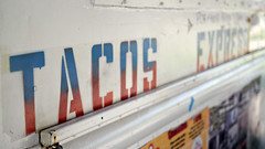 Taqueria Expess Taco Truck in Des Moines, Iowa (Tyrgyzistan) Tags: desmoines centraliowa polkcounty iowafood iowamexican tacos tacotruck trendyfoodtruck foodtruck mexicanfood eastsidedesmoines