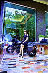 Can a girl ride a Harley Davidson? (phamngocthangqm) Tags: 5dsr davidson harlay