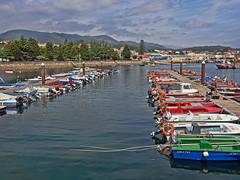 Puerto de Pobra do Caramiñal (A Coruña) (Miguelanxo57) Tags: bote barca mar cielo puerto pobradocaramiñal ríasbaixas acoruña galicia