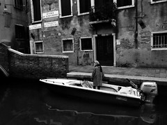 (Something Sighted) Tags: streetphotography scènederue venice italy venise italie italia blackandwhite noiretblanc boat canal candid