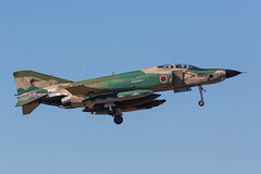 57-6907,  McDonnell Douglas RF-4EJ Kai Japan Air Self Defence Forces @ Hyakuri IBR RJAH (LaKi-photography) Tags: flugzeug plane avion aircraft jet fighter flughafen flugplatz airport airfield airbase aeroporto aeropuerto luftwaffe airforce jasdf jagdflugzeug japanairselfdefenceforces forcaaerea japaneseairforce japan nippon mcdonnelldouglas f4 f4phantom honshu ibaraki hyakuri ibr rjah military militär aviaciónmilitar aviation aviación luftfahrt spotting canon