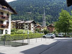 Pinzolo (ericderedelijkheid) Tags: snp trentinodolomitidibrentaadamello dolomieten italië italia vakantie holliday