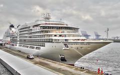 MS Seabourn Ovation (Körnchen59) Tags: seabournovation kreuzfahrtschiff cruiseship hamburg altona hafen port körnchen59 elke körner pentax ks2