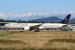 Saudia SV236. HZ-AK21. Boeing 777-368(ER). (Themarcogoon49) Tags: saudia boeing b777 b77w aircraft planespotting gva lsgg cointrin airport switzerland avgeek aviation