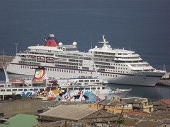 Navire de croisière au port de Bastia (Vincentello) Tags: bastia port navire croisière