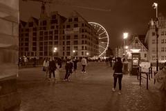 Gdańsk (nightmareck) Tags: gdańsk trójmiasto pomorskie polska poland europa europe fotografianocna bezstatywu night handheld fujifilm fuji fujixt20 fujifilmxt20 xt20 apsc xtrans xmount mirrorless bezlusterkowiec xf18mm xf18mmf20r fujinon pancakelens sepia streetphotography
