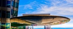 Flying saucer overs Paris (L'Abominable Homme de Rires) Tags: ladéfense paris architecture skyscraper gratteciel building immeuble iledefrance canon5d 5dmkiii sigma 24105mmf4 dxo photolab lightroom city urban