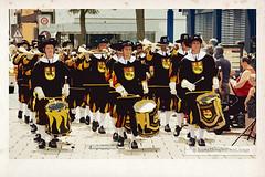 Fanfarenzug /Fanfare Corps (Howdys) Tags: musik oberschwaben aulendorf umzug fanfarenzug uniform kapelle musikkapelle strase street music band fanfare drums germany parade anniversary nikon d7100