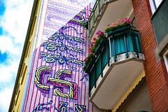 wallpaper (Rasande Tyskar) Tags: hamburg graffiti graffity graffito mural balkon blumen balcony flowers