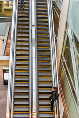 grand hall escalators (pbo31) Tags: bayarea california nikon d810 color august summer 2018 boury pbo31 sanfrancisco city urban salesforce transbay transit center financialdistrictsouth over white pattern yellow escalators