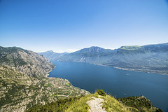 Lago di Garda (mystero233) Tags: lago lake lagodigarda italy europe view hill mountain top blue water village town sky landscape outdoor hike traveler travel summer 2018