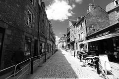 A l'ombre de la rue du Jeudi II (Tonton Gilles) Tags: alençon normandie rue du jeudi ombres pavés paysage urbain